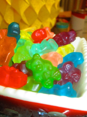 Vodka-soaked gummy bears: so easy, so strong, so good